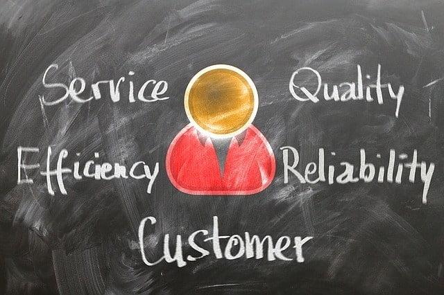 customer-1253483_640-1