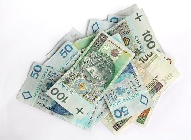 money-finance-bills-bank-notes (4)