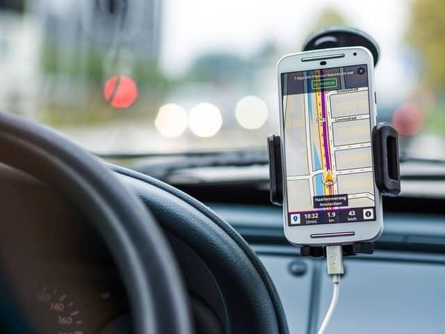 navigation-car-drive-road (2)